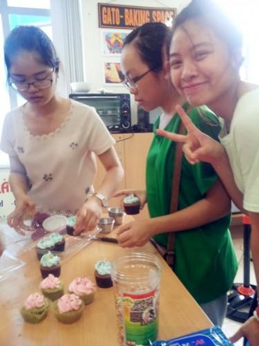 Cách làm bánh cupcake socola đơn giản