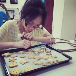 Làm bánh cookies - Trà THPT Nguyễn Tất Thành