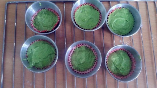 Làm cupcake trà xanh đơn giản