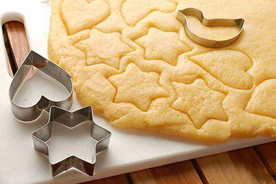 670px-Make-Butter-Cookies-Step-8.jpg