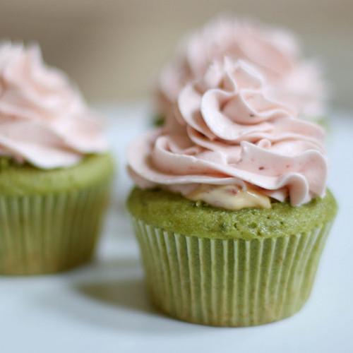cupcake trà xanh kem tươi cơ bản