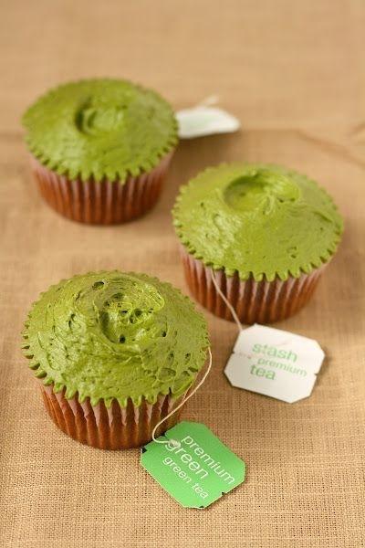 làm bánh cupcake trà xanh trang trí kiểu đơn giản