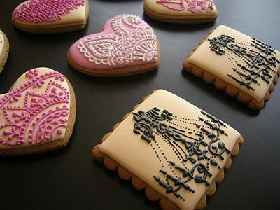 purple-decorated-cookies.jpg