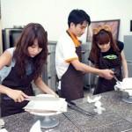 Người nổi tiếng cũng mê mẩn trào lưu học làm bánh