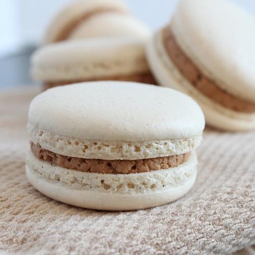 cách làm bánh Macaron nhân socola