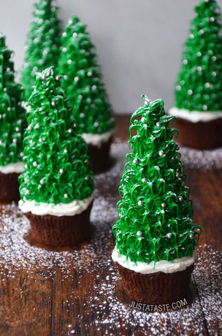 Trang trí cupcake tạo hình cây thông noel
