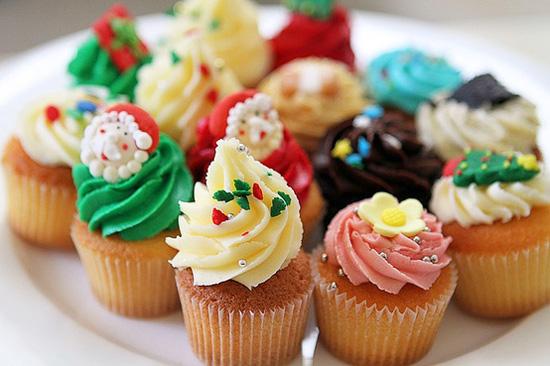 Chúc các bạn thành công với tạo hình cupcake noel