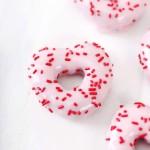 Bánh donut chocolate trái tim vạn người mê