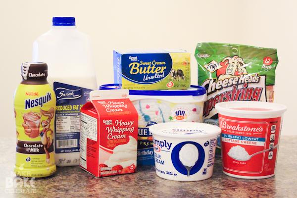 Chuẩn bị các nguyên liệu làm bánh